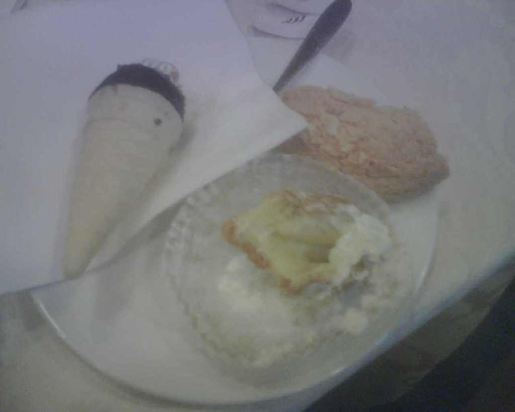 Mini gelato cone, almond cookie, banana cream puff